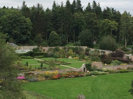 Westhill, UK: Castle Fraser gardens