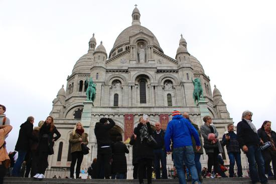Basilique du Sacre-Coeur de Montmartre: very popular look-out spot