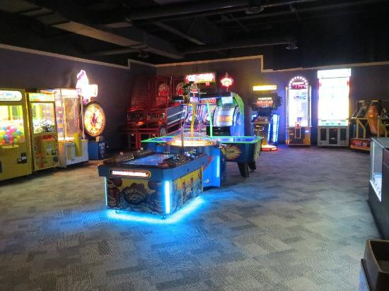 Three Rivers, MI: New Arcade, Fall 2015