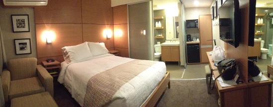 Mount Robson Inn: Hotel room
