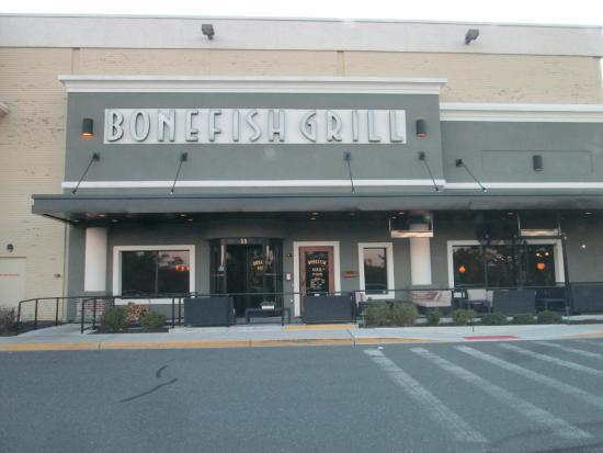 in epicenter plaza on route 9 south picture of bonefish grill manalapan manalapan. Black Bedroom Furniture Sets. Home Design Ideas