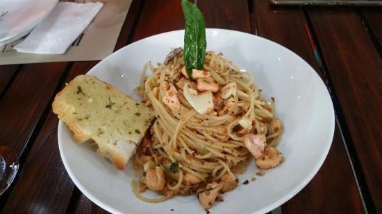 Chez Deo Restorante Italiano Nasugbu