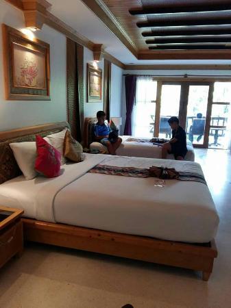 Somkiet Buri Resort: ห้องพักสะอาด