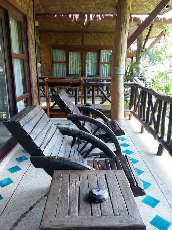 Somkiet Buri Resort: ระเบียง