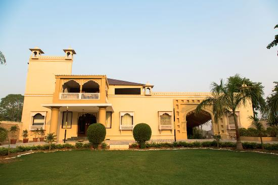 ‪Glitz Ranthambore Safari resort‬