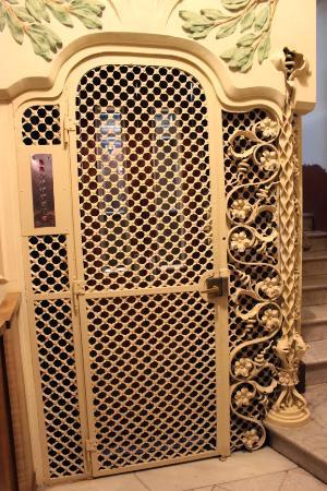 Belle Epoque 1904 : The elevator