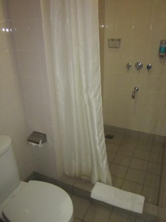 Amaris Hotel Legian - Bali: Ванная приятно удивила чистотой