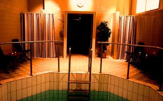 Vestkantbadet Public Bath