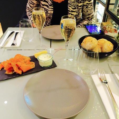Le Balthazar: Champagne & Saumon