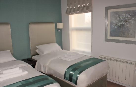 Cheap B B Room Ilford