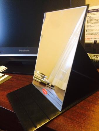 Hotel Crown Palaice Aomori: 大きな鏡