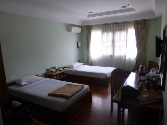 Jade Royal Hotel