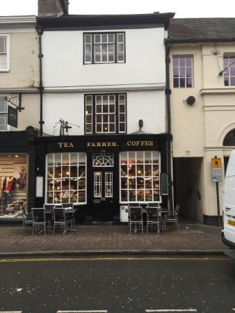 Kendal, UK: Shop front