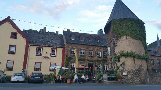 Turmgasthaus Burg Thurant: 20150718_210605_large.jpg