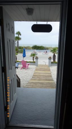 Sabal Palms Inn: Aussicht aus der Tür der Unit 2