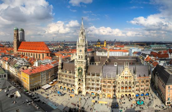 marienplatz and munich skyline bild von photo tour of munich m nchen tripadvisor. Black Bedroom Furniture Sets. Home Design Ideas