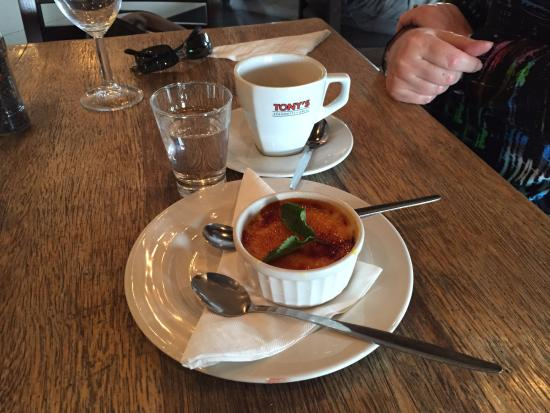 Tony's Spaghetti Grill: Creme brule
