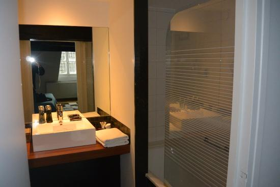 Badkamer Design Maastricht : De prachtige en moderne badkamer picture of hotel dis