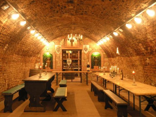 Valtice, جمهورية التشيك: La Veneria - wine cellars