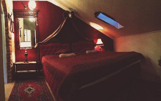 Valtice, جمهورية التشيك: Hunter's appartement - bedroom