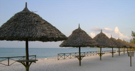 Hotel South Beach Resort Dar Es Salaam: white sand