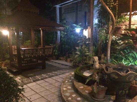 My Friend Hotel: Lobby extérieur
