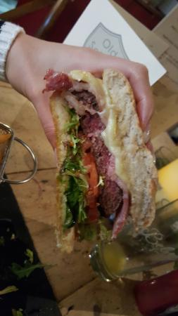 Stanwick, UK: Incredible burger - Cooked to perfection!