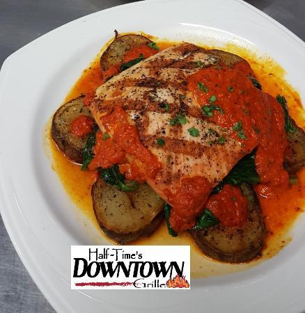 Mukwonago, Wisconsin: Grilled Salmon