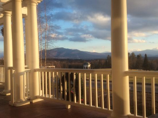 Front porch bild fr n mountain view grand resort spa for 101 salon bedford nh