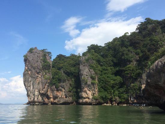 La torre - Picture of James Bond Island, Ao Phang Nga National Park - TripAdv...