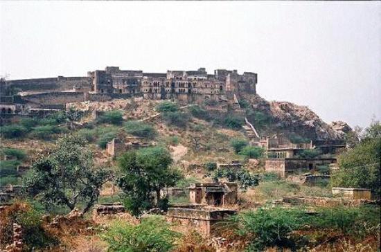 Khetri, Индия: getlstd_property_photo