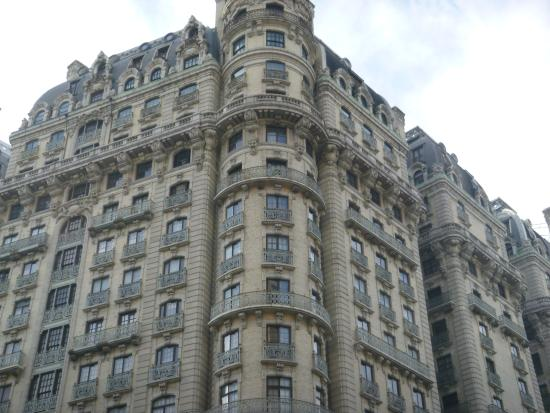 Upscale iconic apartment buildings between uws and central for Upper west side apartments nyc