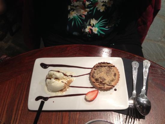 Larkhall, UK: Ferrero Rocher Tart with White Chocolate Truffle