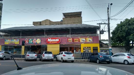 Maua's Hot-Burgers