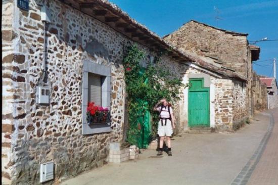 Navarrete del Río, España: Camino de Santiago - one of the small villages