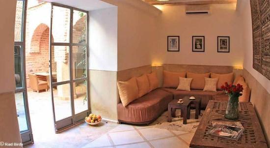 Riad Birdy : гостиная