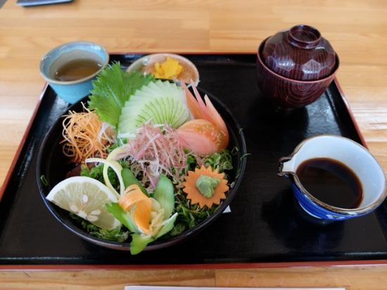 Kuroshio-cho, Ιαπωνία: かつおタタキ丼