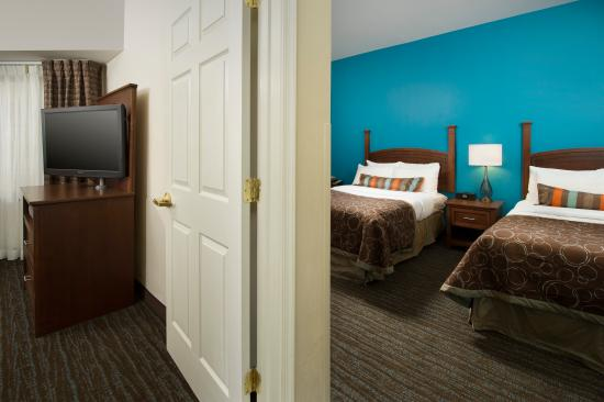 Staybridge Suites Baltimore BWI Airport: Two Bedroom Suite