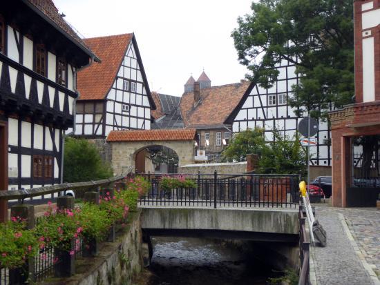 Quedlinburg, Niemcy: På väg från torget upp till slottet och klostret.
