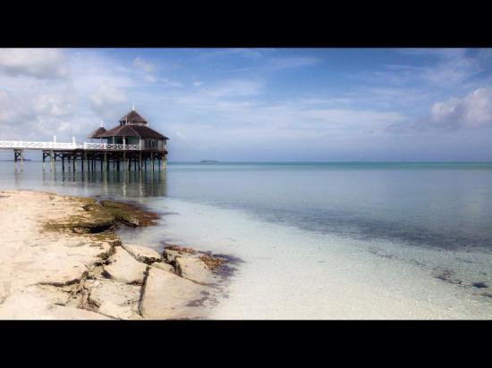 Kamalame Cay: beach