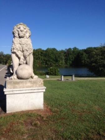 Newport News, VA: Lion's Bridge at the Noland trail