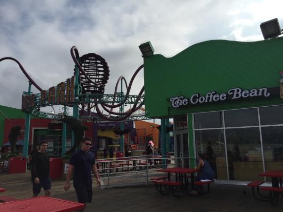 The Coffee Bean & Tea Leaf: Кафе на пирсе