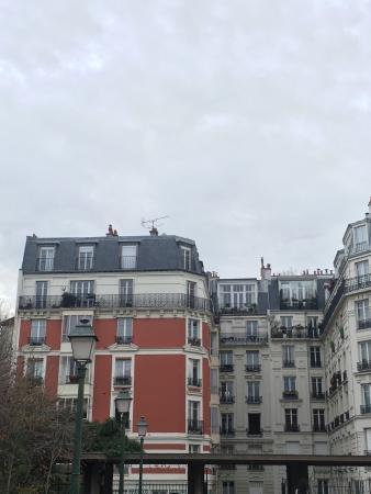 Hidden Paris Walking Tours : photo1.jpg