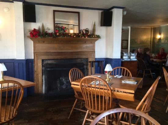 Captain Daniel Packer Inne Restaurant And Pub Interior Decor
