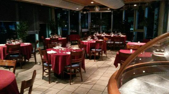 Restaurant de la piscine du lignon vernier restaurant for Restaurant piscine