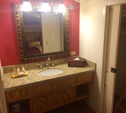 Delavan, WI: Loft Bathroom