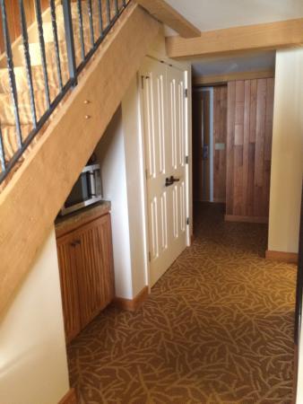 Delavan, WI: Room Entrance Hall