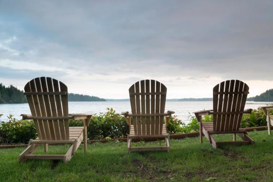 Πορτ Άλμπερνι, Καναδάς: Lawn view