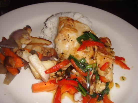 Chilean sea bass picture of catch 35 seafood restaurant for Fish restaurant chicago
