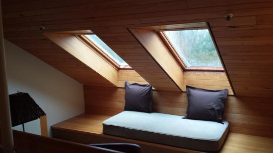 The Inn at Honey Run: Skylight Room